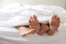 Bed Rest While Pregnant 7 Tips For Surviving Bed Rest During Pregnancy Inhabitots