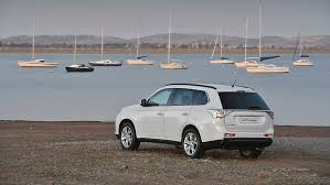 mitsubishi crossover 2014 introducing the 2014 mitsubishi outlander drive news