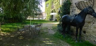 chambre d hote beaujolais bienvenue aux chambres d hôte de la ferme de valpierre à dracé en