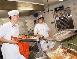 cuisine lannion le télégramme cuisine centrale ça bouillonne très tôt