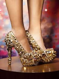 prom accessories uk how to buy a pair of comfortable and flattering prom shoes uk