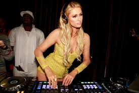 What Happened To Paris Hilton - fans clamor to get dj paris hilton booted from music fest ny