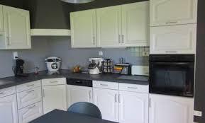 cuisine repeinte en noir déco cuisine repeinte en blanc 55 reims cuisine rustique