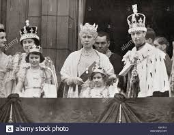 three generations of the royal family on the balcony at buckingham