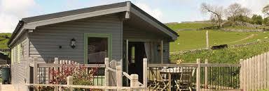 holiday parks peak district woodland lodges luxury log cabins
