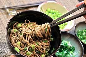 cuisine japonaise japon 14 cuisine japonaise 2 nouilles onigiris et soupes