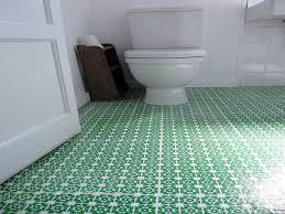 pvc boden badezimmer pvc boden badezimmer muster behindertengerechte badewanne