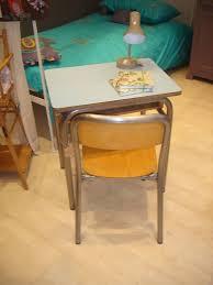 bureau laurette petit bureau d école formica bleu ciel et sa chaise décapée chez