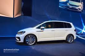 volkswagen white 2016 2016 volkswagen touran enters production in wolfsburg