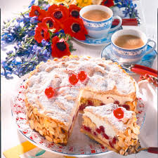 kirsch sahne torte mit mandel baiser rezept lecker