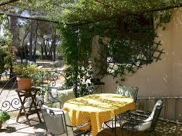 guesthouse la coudoulière saint rémy de provence france