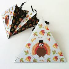 thanksgiving triangle gift box template printable pdf