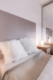 chambre blanc et taupe chambre cocooning taupe beige et blanc cosy tete lit deco marron