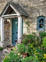 11 design ideas for small front gardens
