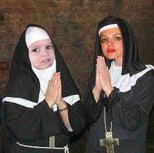 Praying Memes - neyde and chloe praying neyde spears know your meme