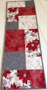 Ideas For Christmas Quilts by Best 25 Xmas Table Runners Ideas On Pinterest Table Runners