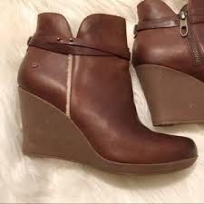 ugg australia alexandra water resistant suede wedge boot 68 ugg shoes ugg alexandra water resistant wedge boot euc 9 5