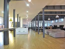 bureau loft industriel 92 bureaux en open space en rdc et grand espace de stokage en sous
