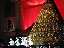 the singing christmas tree c2c singing christmas tree singing