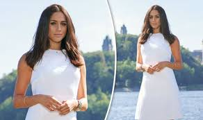 Vanity Fair Clothing Company Meghan Markle Looks Every Inch The Royal As She Poses For Vanity
