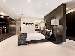 Modern Bedroom Design Idea With Wood Panelling  Builtin Shelving - Idea bedrooms