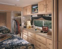 Vanity In Bedroom 2005 Coachmen Somerset Fifth Wheel Rvweb Com