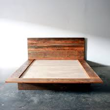 Platform Bed Frame Diy by Best 25 Reclaimed Wood Beds Ideas On Pinterest Reclaimed Wood