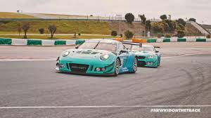 porsche 911 race car 4legend com falken race cars porsche 911 gt3 r vs bmw m6 gt3