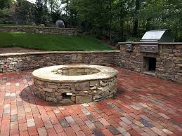 Firepit Bricks Naturally Looks Brick Patio With Pit Patio Design Ideas 5326