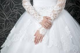 brautkleid mit spitze ã rmel brautkleid spitze ein traumhaftes hochzeitskleid aus spitze