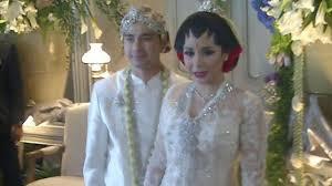 wedding dress nagita slavina pernikahan raffi ahmad nagita slavina riuhkan tekno
