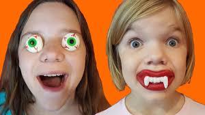 gummy eyeballs wax fangs halloween candy review kid candy