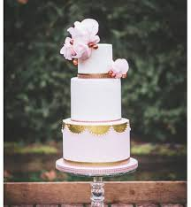 novelty wedding cakes heavenleigh cakes wedding cakes celebration cakes basildon essex