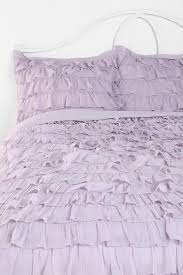 Urban Outfitters Waterfall Ruffle Curtain by Best 25 Ruffled Comforter Ideas On Pinterest White Ruffle