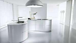 cuisine blanche brillante cuisine arrondie en laque blanche brillante dune porto venere