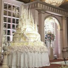 castle wedding cake 6 most beautiful swoon worthy wedding cakes in past years