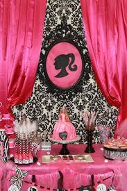 Interior Design Simple Barbie Theme by Best 25 Barbie Party Decorations Ideas On Pinterest Party Table