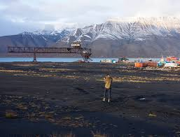 A Place Exhibition Longyearbyen As A Place And Svalbard As A Fluid