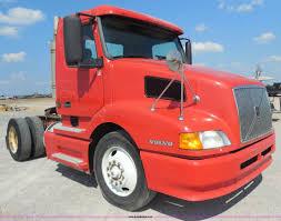 2000 volvo tractor for sale 2000 volvo vnl semi truck item e7701 sold october 22 tr
