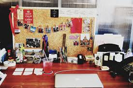 Office Desk Accessories Ideas by Fascinating Office Desk Decorations For Christmas How To Decorate