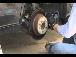 toyota avalon brakes replacing rear disc brake pads shoes on toyota 2nd avalon 00