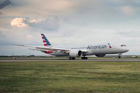 first pictures american takes delivery of its first boeing 787 9