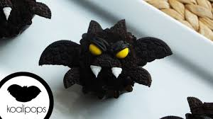 how to make bat cupcakes become a baking rockstar youtube