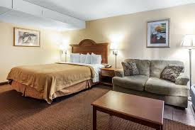 Comfort Inn Dollywood Lane Quality Inn U0026 Suites At Dollywood Lane Pigeon Forge Hotels From