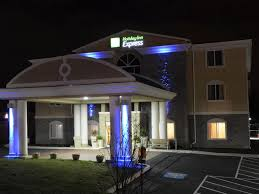 holiday inn express newington hotel by ihg
