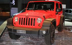wrangler jeep pink 2013 jeep wrangler moab wins 4x4 of the year award truck trend news