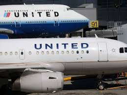 Does United Airlines Charge For Bags United Airlines Will Charge Extra Fee For Use Of Overhead Bins