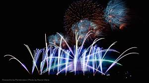 let three fireworks technicians teach you about blowing stuff the