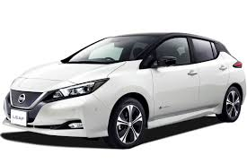 nissan leaf reviews nissan leaf price photos and specs car nissan leaf hatchback review carbuyer