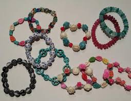 beaded stretch bracelet tutorial very easy sewmuchcraftiness